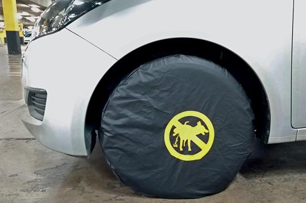 Capa protetora de roda  contra urina de cachorro (Foto: Divulgação)