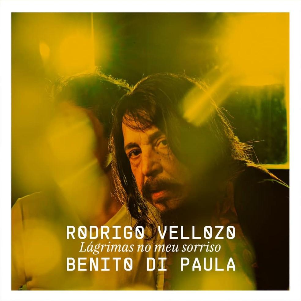 Capa do single 'Lágrimas no meu sorriso', de Rodrigo Vellozo com Benito Di Paula — Foto: Murilo Alvesso com arte de Julio Dui