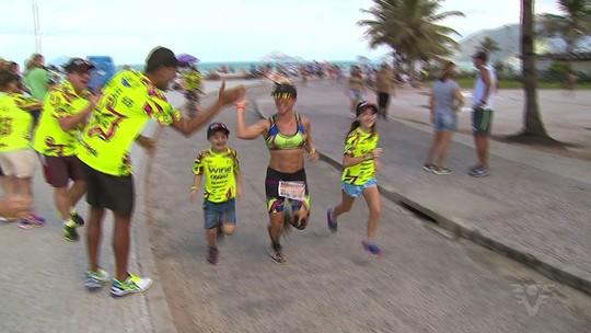 Rosecler Costa, a Ironmãe, comemora quebra de recorde pessoal em prova no Havaí