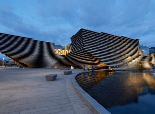 O arquiteto Kengo Kuma se declara um fã da paisagem natural escocesa, de onde se inspirou para criar o V&A Dundee (Foto: Hufton + Crow/ Reprodução)