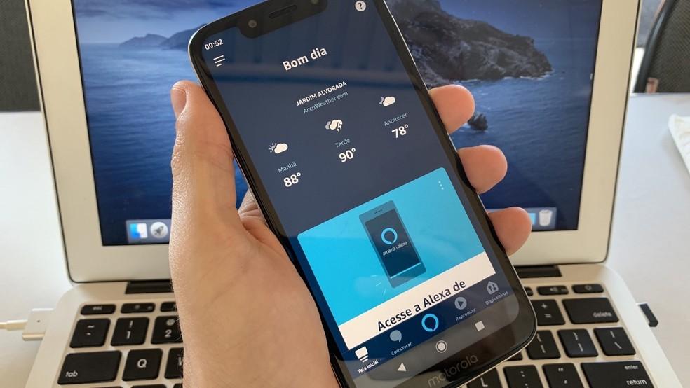 É possível utilizar a Alexa também no seu smartphone, assim como em TVs mais recentes, entre outros eletrônicos — Foto: Helito Beggiora/TechTudo