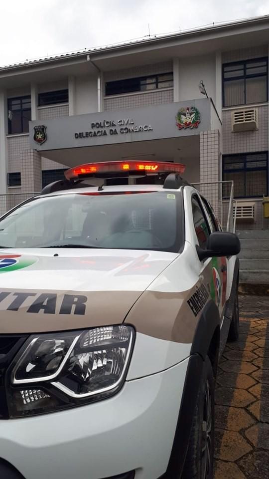 Adolescente é agredido por vizinhos após suspeita de ter batido na companheira - Notícias - Plantão Diário