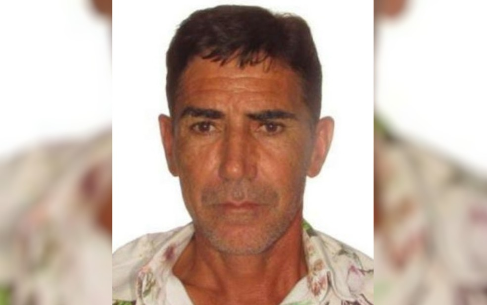 Silvio Adriano de Oliveira é morto a tiros em Uruana — Foto: TV Anhanguera/Reprodução