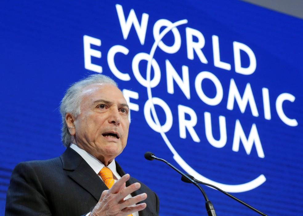 O presidente Michel Temer fala durante a reunião anual do Fórum Economico Mundial em Davos, na Suíça — Foto: Denis Balibouse/Reuters