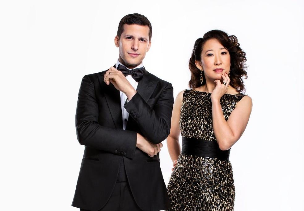 Andy Samberg e Sandra Oh apresentam o Globo de Ouro 2019 — Foto: Divulgação