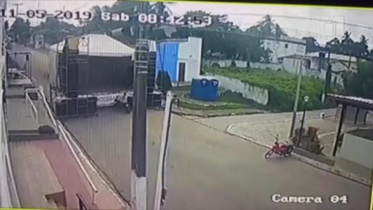 Vídeo mostra caminhão desgovernado destruindo palco de festa no interior do RN