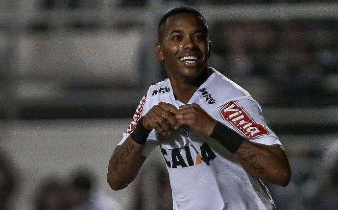 OFF - Em dose dupla, Diego Souza luta por melhor drible com Robinho e Airton