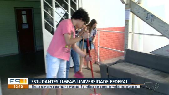 Alunos da Ufes fazem mutirão de limpeza em campus de Vitória após cortes da Educação