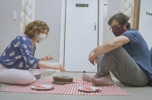 Debora Bloch e Bruno Mazzeo em 'Diário de um confinado' (Foto: Dvulgação/Globo)