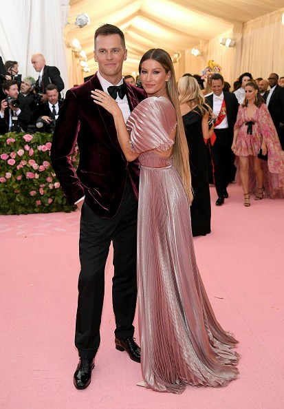 NEW YORK, NEW YORK - MAY 06: Tom Brady and Gisele Bündchen attend The 2019 Met Gala Celebrating Camp: Notes on Fashion at Metropolitan Museum of Art on May 06, 2019 in New York City. (Photo by Neilson Barnard/Getty Images) (Foto: Getty Images)