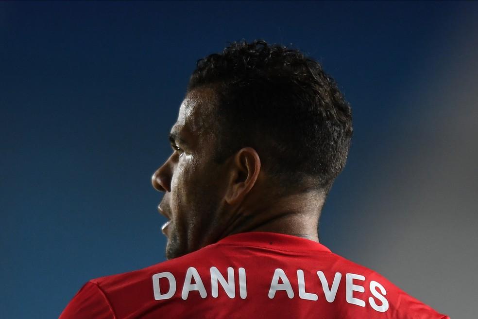 Investimento previsto para Daniel Alves será remanejado no Flu