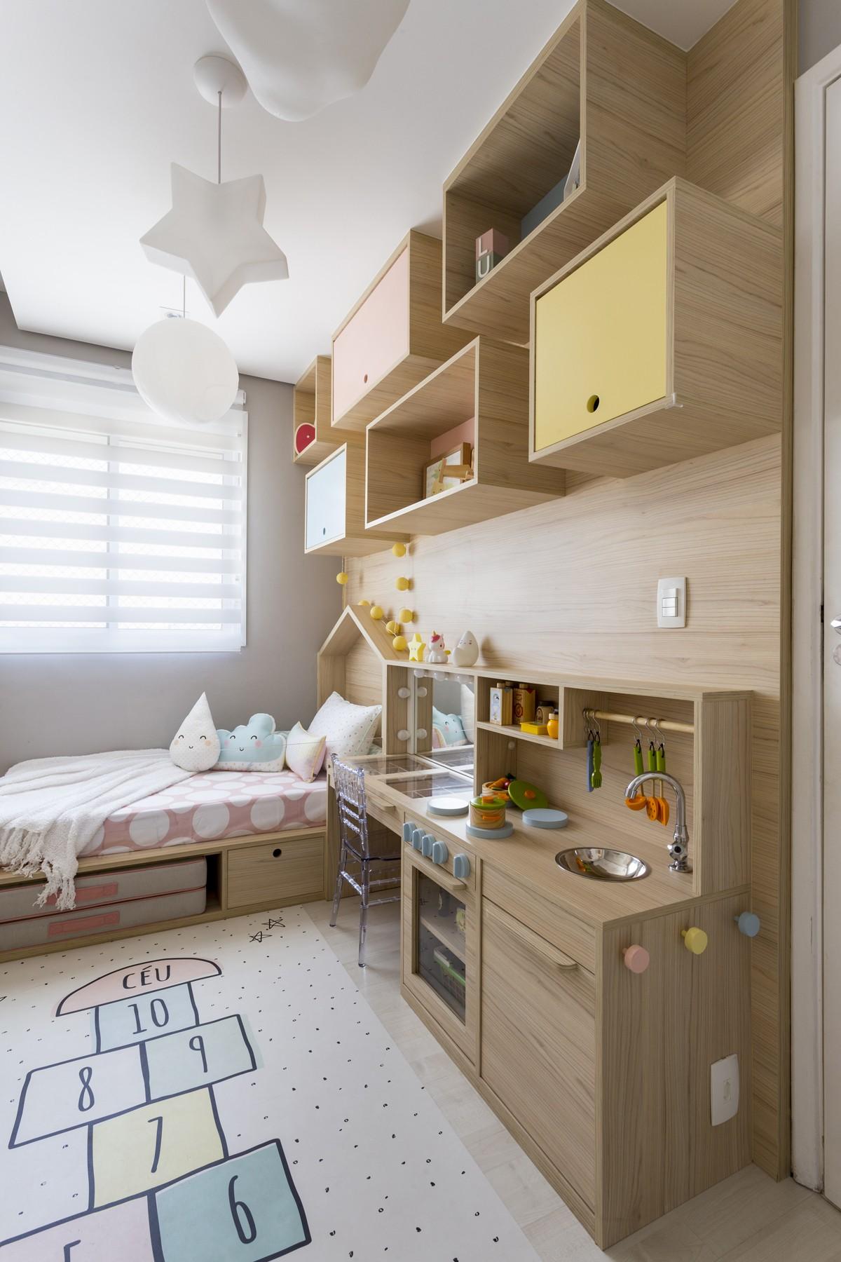 Décor do dia: quarto infantil com decoração lúdica e espaço para atividades (Foto: Matho Fotografia)