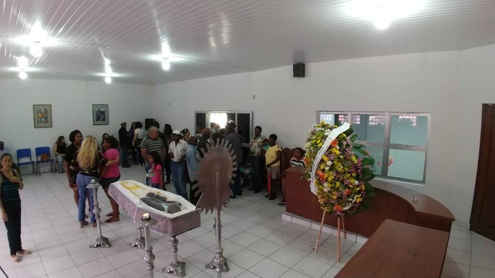 O corpo de Mulato deve ser velado até o início da tarde em Nossa Senhora do Livramento — Foto: Marcelo Souza/TV Centro América