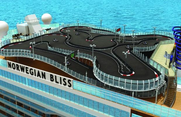 Pista Go Kart no navio Norwegian Bliss (Foto: Divulgação)