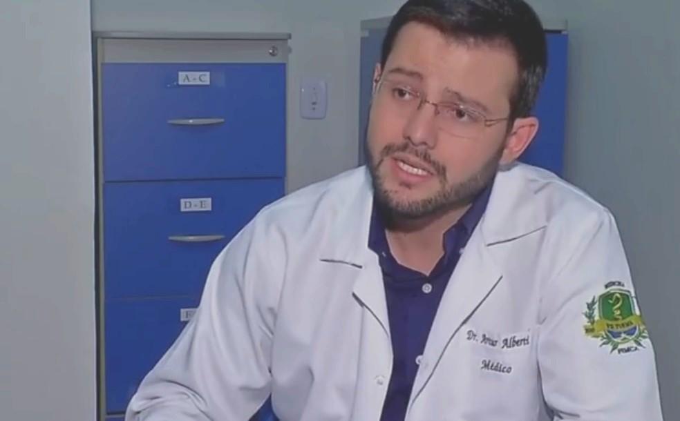 Artur Neto levou um soco na boca — Foto: TVCA/ Reprodução