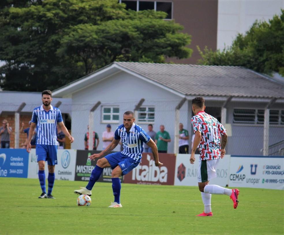 O Avaí, do meia Pedro Castro, se classificou para as quartas de final do Campeonato Catarinense com a melhor campanha — Foto: André Palma Ribeiro/Avaí F. C.