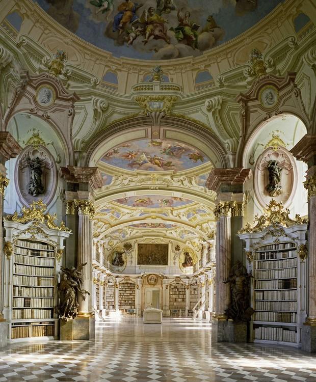 Biblioteca de Admont, em Admont, Áustria (Foto: Massimo Listri/ Taschen/ Reprodução)