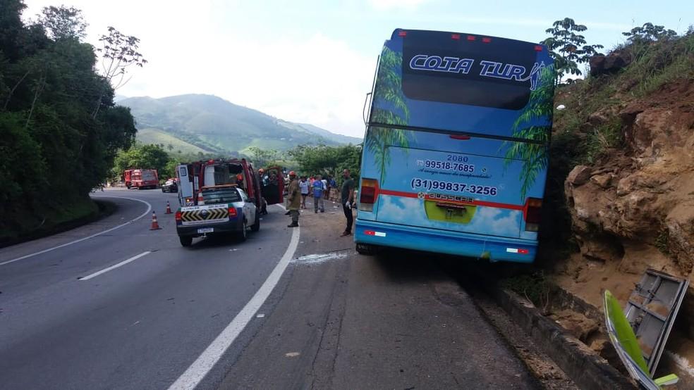 Segundo a PRF, motorista morreu no acidente ocorrido no Km 99 da BR 040, na descida da Serra de Petrópolis, altura de Duque de Caxias — Foto: PRF/Divulgação