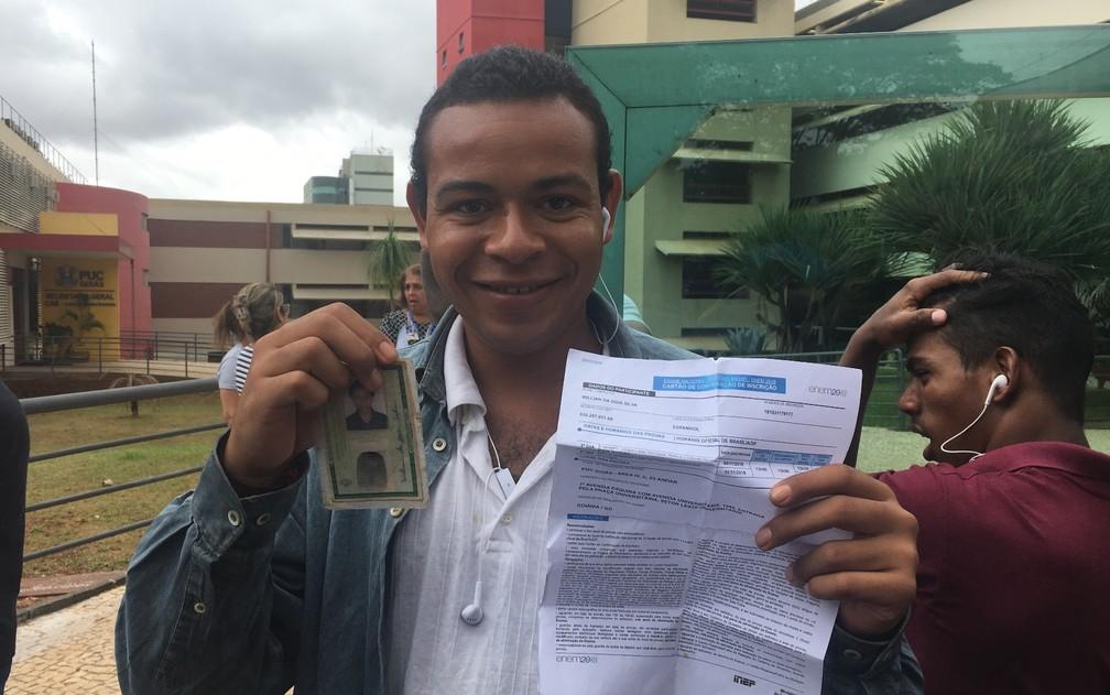 Enem 2018 - Domingo (4) - Goiânia (GO) - Estudante Wilian da Silva chegou 3h antes da abertura dos portões — Foto: Vanessa Martins