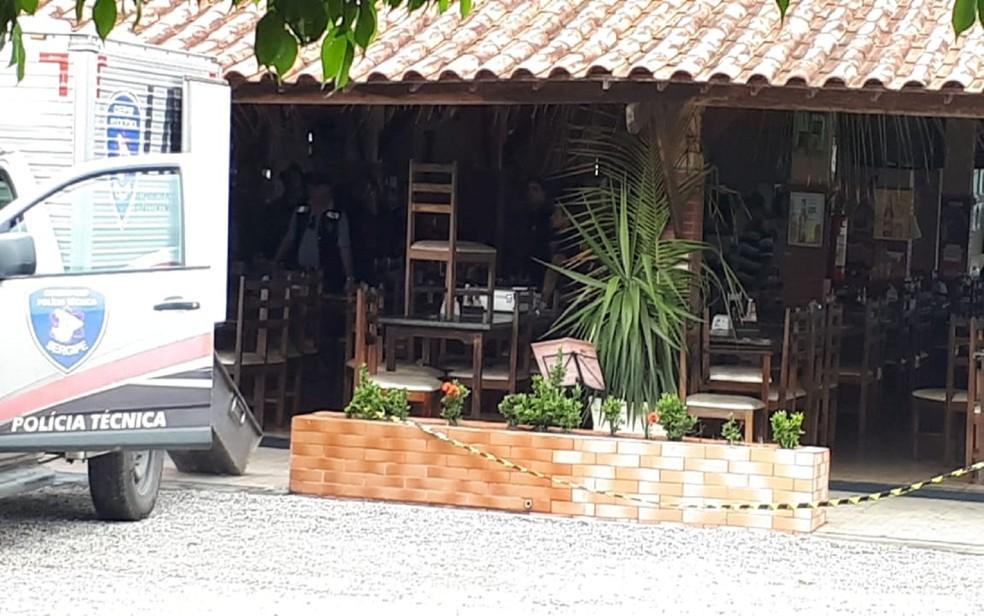 Secretário foi assassinado a tiros enquanto tomava café da manhã em um restaurante da BR-235 — Foto: Anna Fontes/TV Sergipe