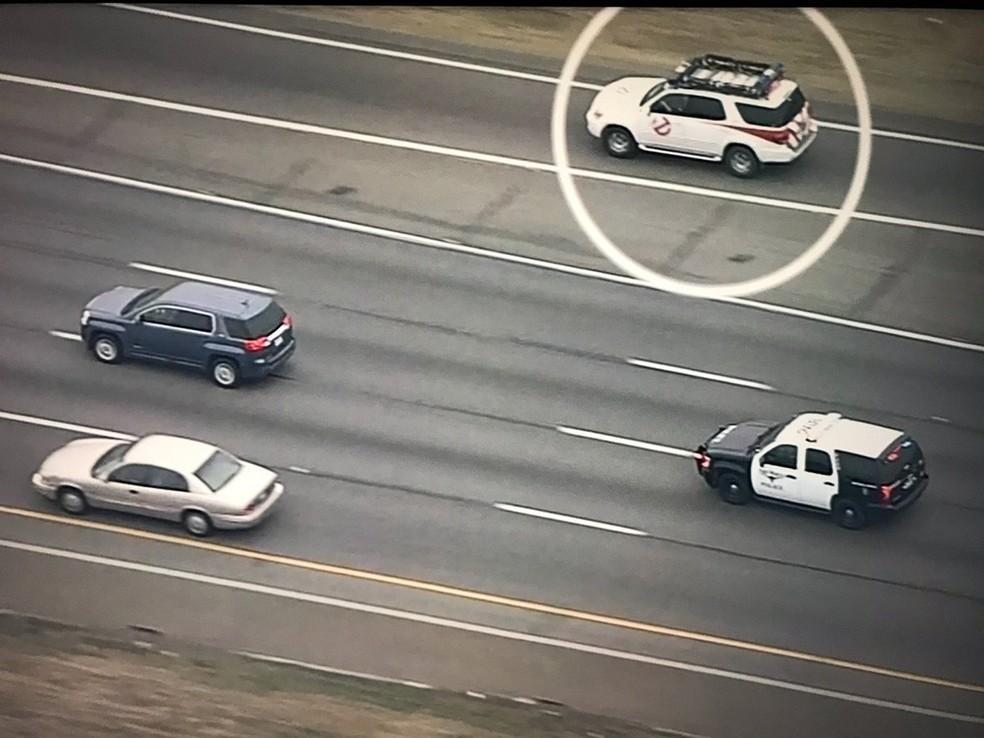 Carro dos Caça-Fantasmas' aparece em perseguição policial e vira piada nos EUA (Foto: @fortworthpd/Twitter)