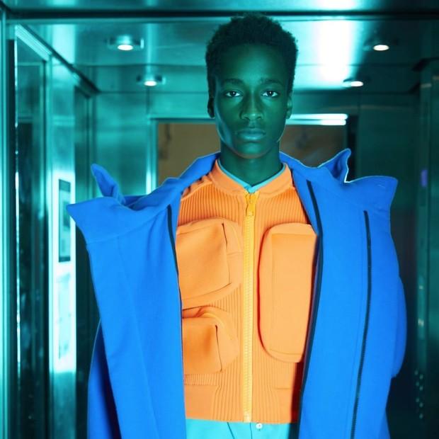 Look da estreia de Virgil Abloh na Louis Vuitton (Foto: Instagram Louis Vuitton/ Reprodução)