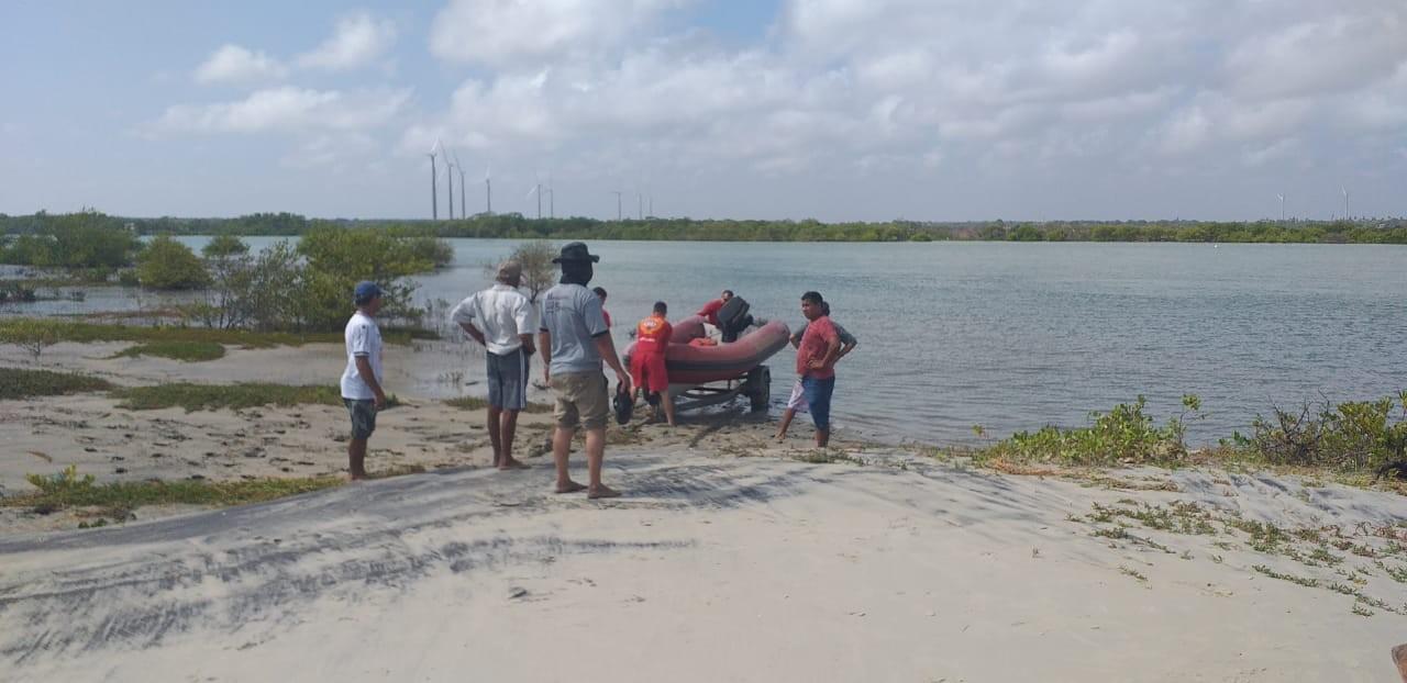 Corpo de pescador é encontrado preso em redes de pesca dentro de rio, no Ceará