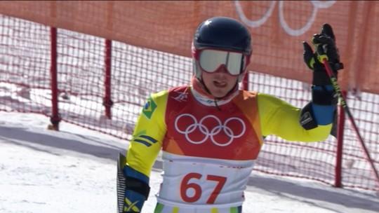 Quedas marcam a primeira descida no esqui alpino, e brasileiro está eliminado