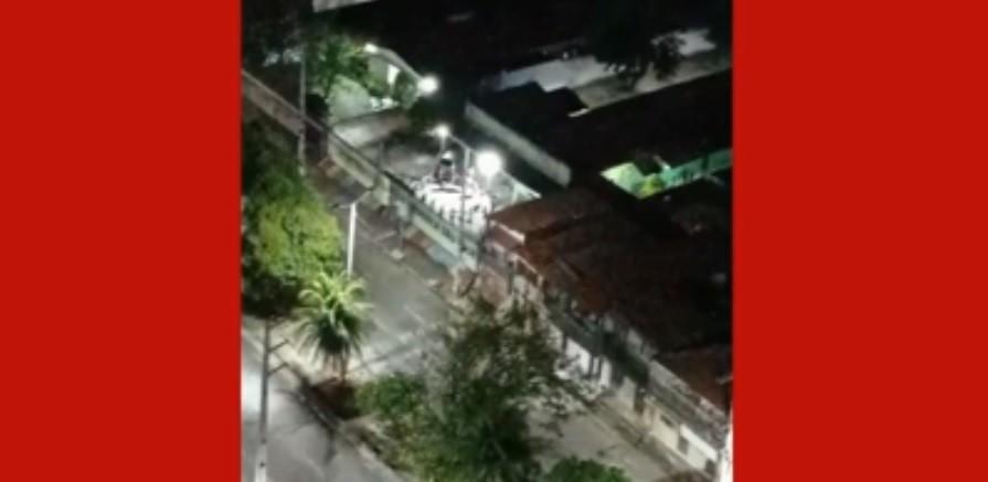 Moradora denuncia ensaio de quadrilha junina com aglomeração em escola municipal em Fortaleza; vídeo