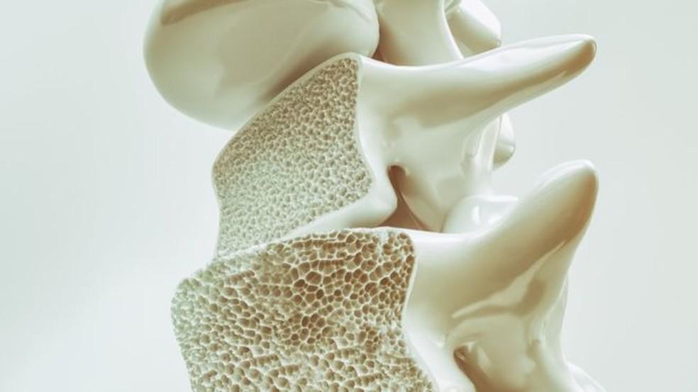 Os cuidados para evitar lesões graves no futuro devem começar já na infância. — Foto: Getty Images