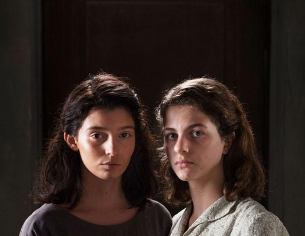 Gaia Girace (Lila) e Margherita Mazzucco (Elena), as protagonistas de Amiga Genial (Foto: Divulgação/HBO)