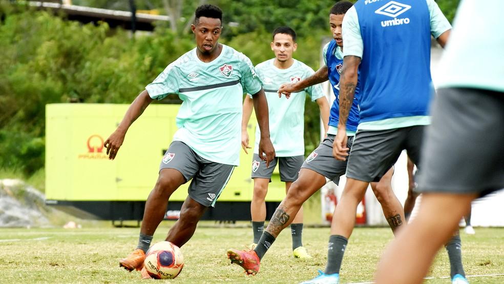 Wellington em treino do Fluminense — Foto: Mailson Santana FFC