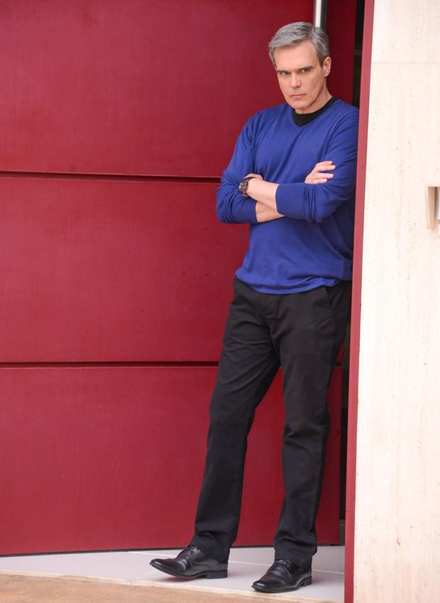 Dalton Vigh como o misterioso Sr. Pendleton em As Aventuras de Poliana (Foto: João Raposo/SBT)