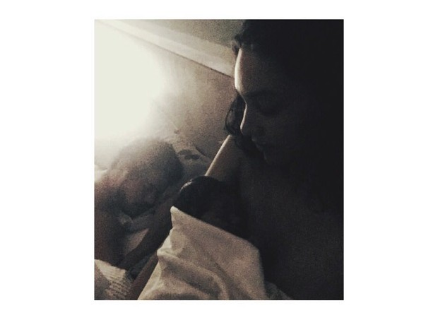 A foto postada por Débora Nascimento no Instagram (Foto: Reprodução/ Instagram)