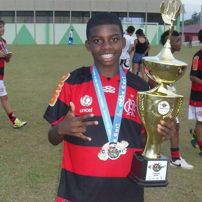 Lincoln Correa, atacante capixaba do Sub-15 do Flamengo (Foto: Reprodução/Facebook)