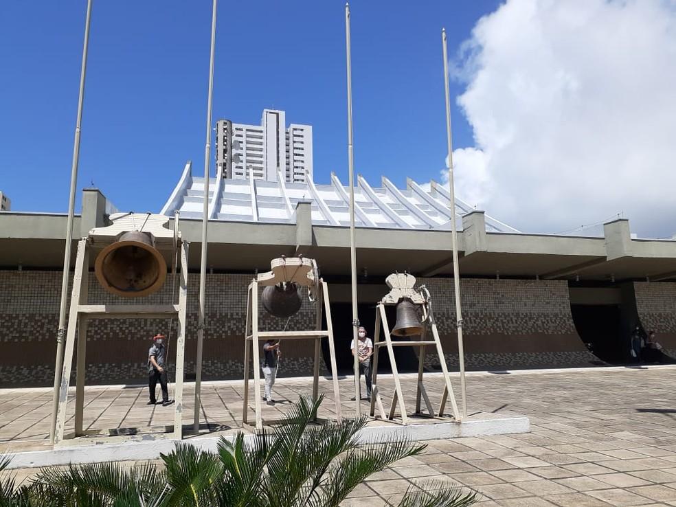 Catedral Metropolitana de Natal participa de homenagem às vítimas da Covid-19 de todo o Brasil — Foto: Anna Alyne Cunha/Inter TV Cabugi