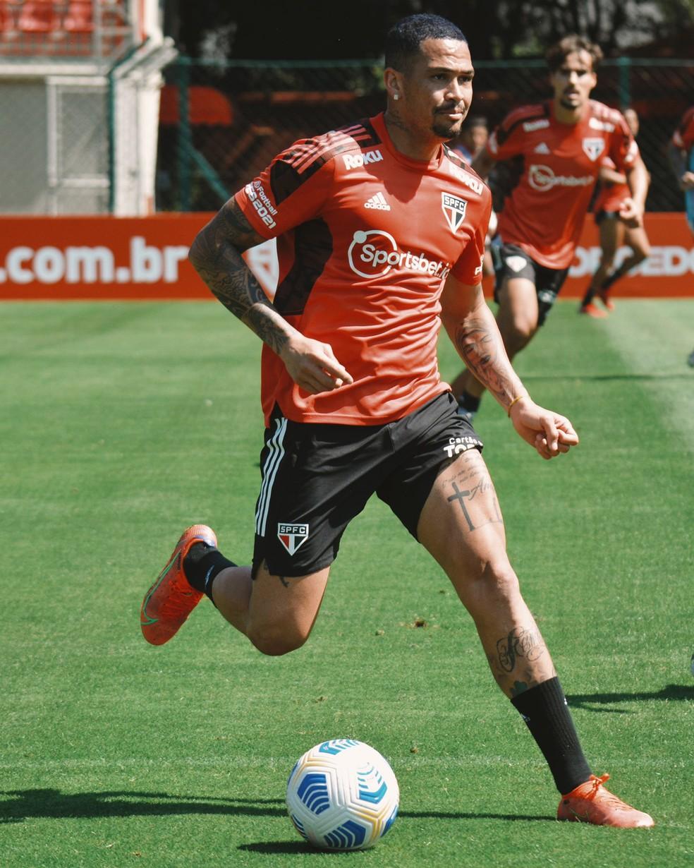 Luciano ficou fora do treino desta quinta-feira — Foto: Fellipe Lucena / saopaulofc