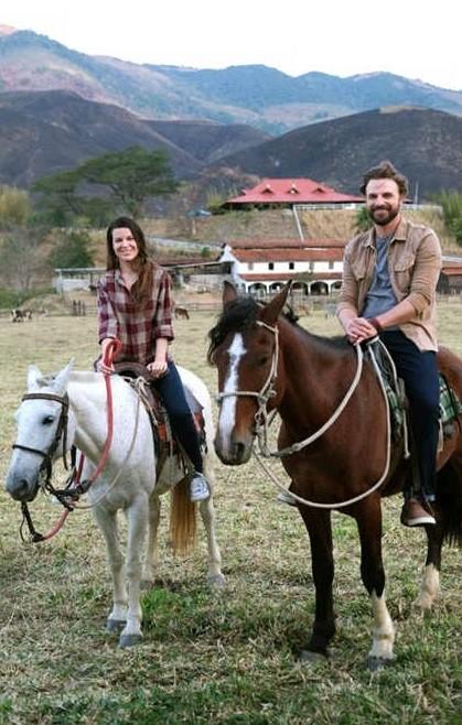 Nina Frosi e Cássio Reis durante as filmagens de 'Eulália', filme de Igor Moreira (Foto: Divulgação)