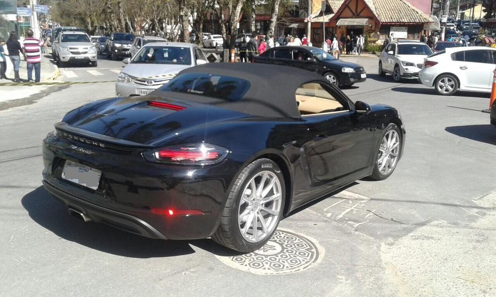a1169a0e3ea ... Marca alemã Porsche é conhecida por fabricar carros de luxo — Foto   Arquivo pessoal