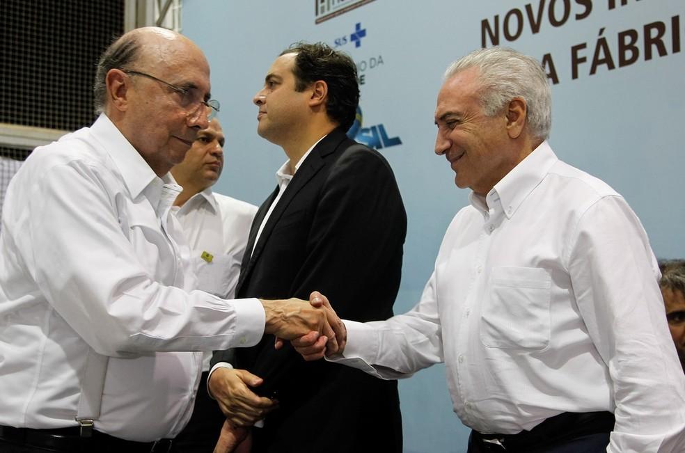 O ex-ministro da Fazenda Henrique Meirelles (esq.) e o presidente Michel Temer (dir.) (Foto: Beto Barata/PR)