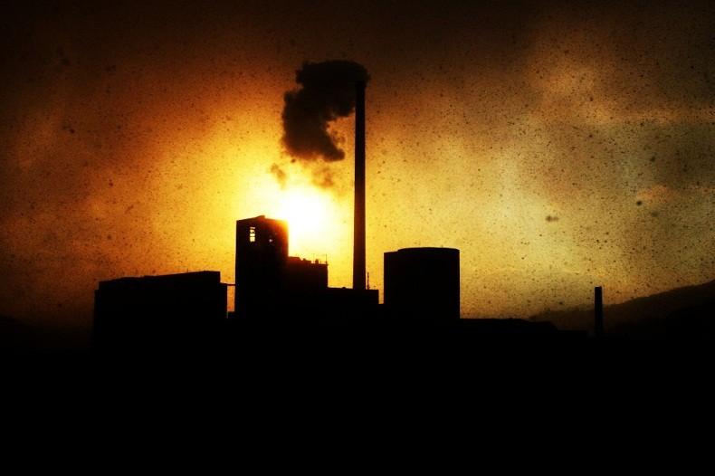 Poluição em fábrica  (Foto: Wikimedia Commons)