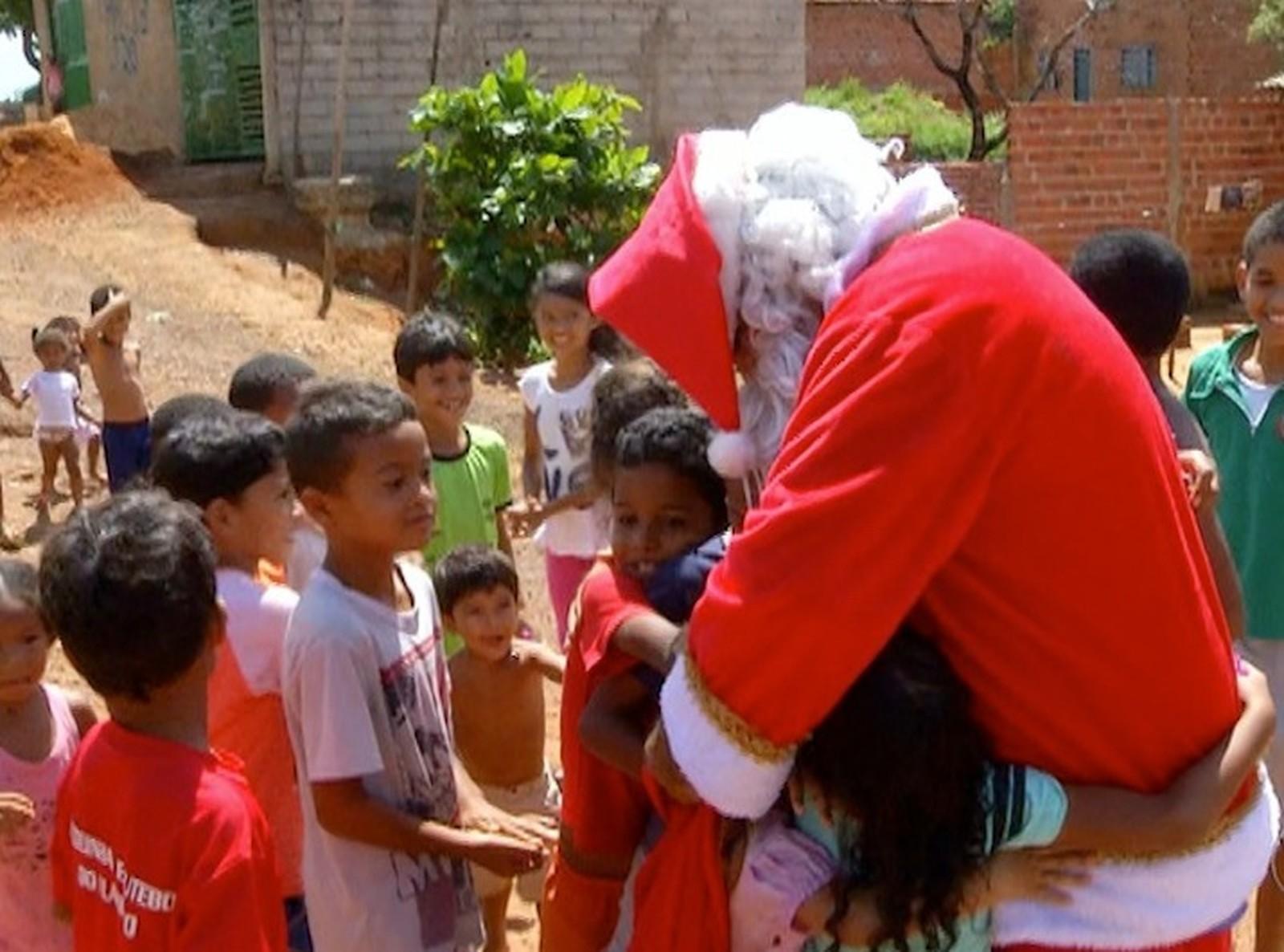 Campanha 'Natal Presente' arrecada brinquedos para crianças carentes de Palmas; saiba como doar - Notícias - Plantão Diário