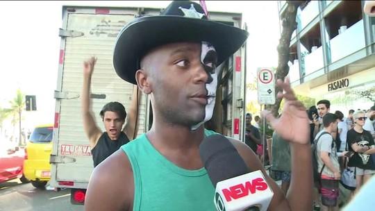 VÍDEO: protesto, indignação, dança... Como os fãs receberam a notícia