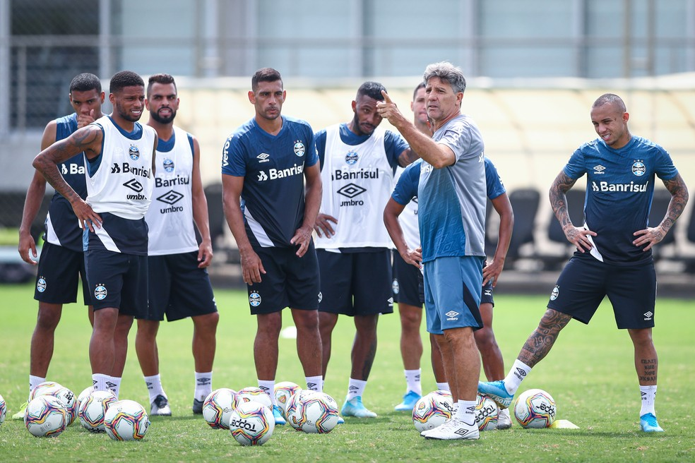 Renato volta ao convívio do grupo gremista a partir desta segunda-feira — Foto: Lucas Uebel / Grêmio FBPA