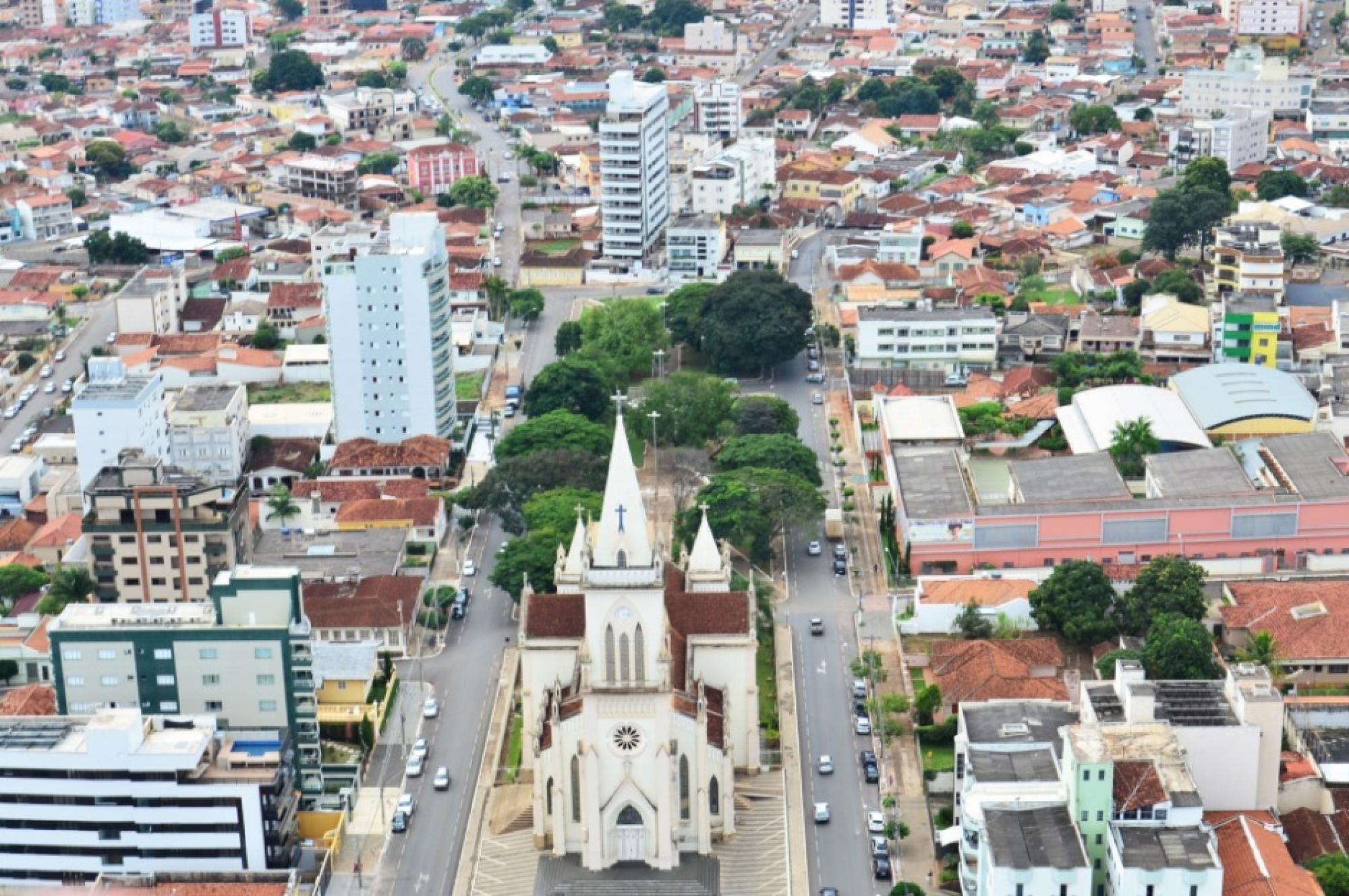 Prefeitura de Patos de Minas flexibiliza reabertura do comércio e amplia suspensão das aulas