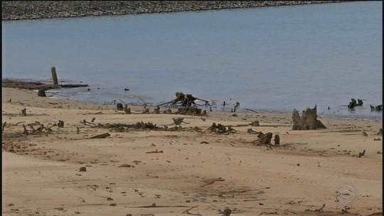 Nível da água do Rio Paranapanema na represa de Jurumirim está baixo