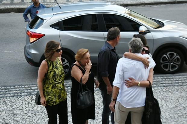 Famosos se despedem de Tônia Carrero (Foto: AgNews)