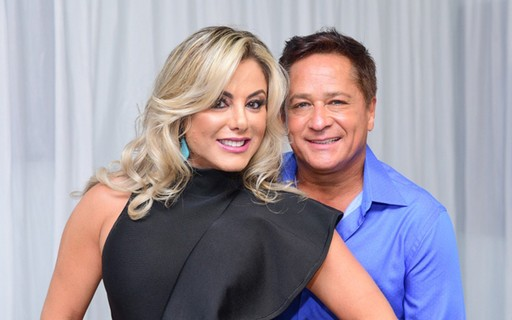 Cantor Leonardo e Poliana Rocha se declaram nos 23 anos de casamento - Quem | QUEM News