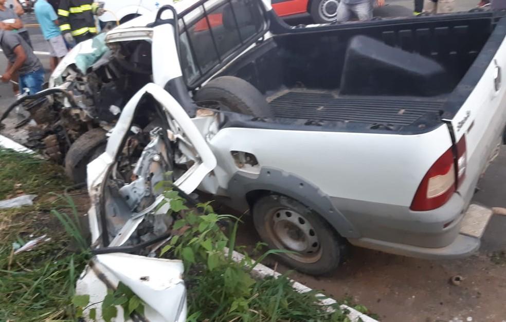 Condutor do carro atingido pela caminhonete morreu — Foto: Blog Marcos Frahm
