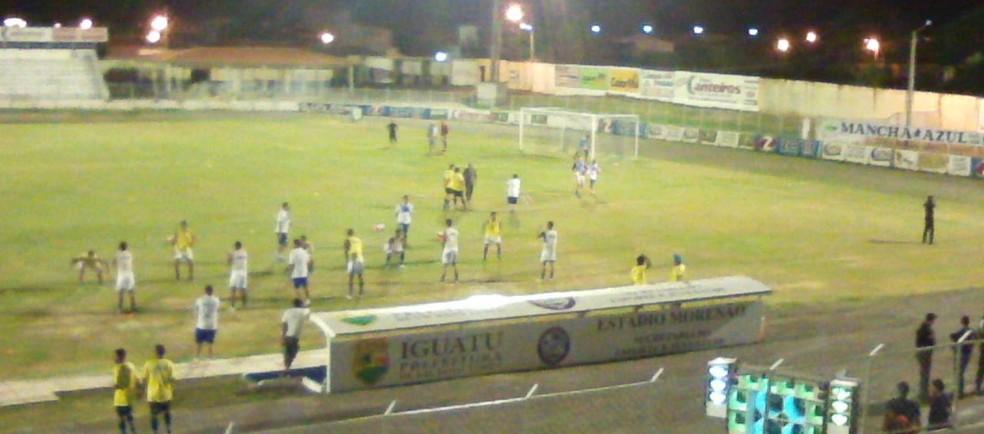 Uniclinic bate Iguatu no estádio Morenão (Foto: Kilmer Campos)